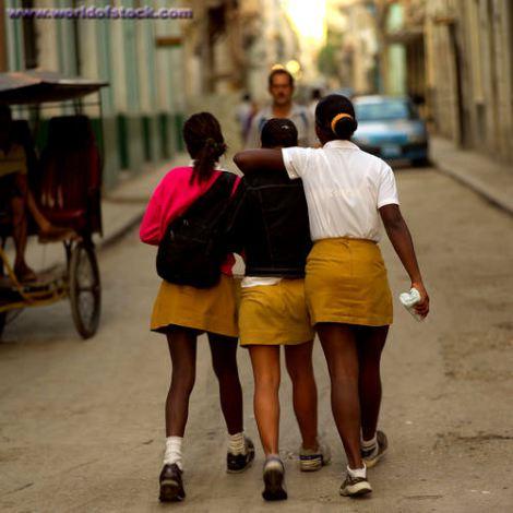 walking-girls