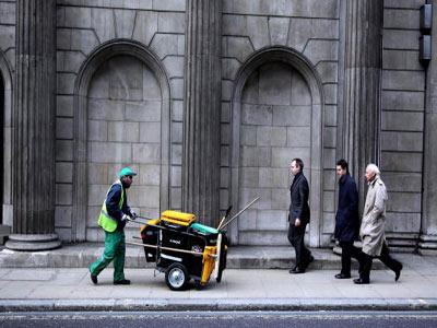 street-sweeper clean street