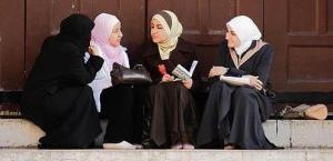 muslim women talking