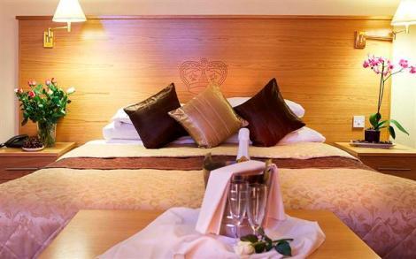 romance-bed