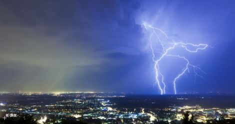 lightning sky city night